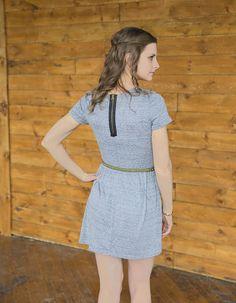 Jersey t-shirt dress with cute back zipper