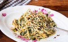 Cheesy Spaghetti Verdi Pasta Recipe With Roasted Garlic
