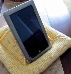 Free Ravelry: E-Reader or Book Pillow pattern by Carol Wolf...I could use this..Neat!!