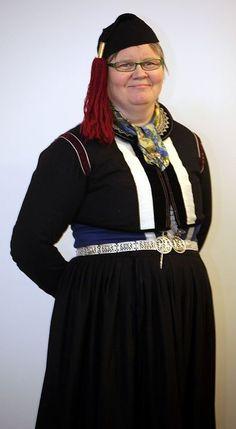 Love this icelandic cap! FolkCostume: Þjóðbúningurinn, National costumes of Iceland, part 1, Faldbúningur