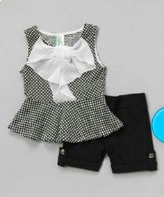 Blusa blanca y negro