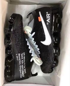 Shopping For Men's Sneakers. Are you searching for more information on sneakers? In that case click right here to get more details. Mens Sneakers Dress Shoes And Boots Sneakers Mode, Sneakers Fashion, Fashion Shoes, Shoes Sneakers, Gucci Sneakers, Leather Sneakers, Nike Outfits, Basket Sneakers, Off White Shoes
