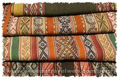 Photos of Chinchero Weaving and Textiles Cooperative, Cusco, Peru - Andean Travel Web Image Bank - Photos of Peru Weaving Yarn, Weaving Textiles, Weaving Patterns, Quilt Patterns, Hand Weaving, Thai Pattern, Pattern Art, Cultural Patterns, Peruvian Textiles