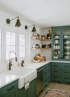 Home Decor Kitchen, New Kitchen, Home Kitchens, Modern Retro Kitchen, Retro Kitchens, Kitchen Ideas For Cottages, Minimalist Kitchen, Best Color For Kitchen, Kitchen Items