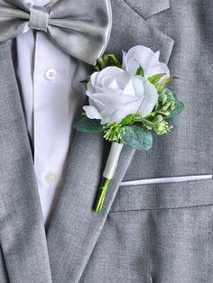 Cream Wedding, Wedding Men, Wedding List, Wedding Ideas, Wedding Inspiration, Silk Wedding Bouquets, Flower Bouquet Wedding, White Rose Boutonniere, Wedding Boutonniere