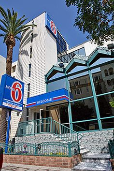 Motel 6 Los Angeles - Hollywood #Motel6UBL this looks like a cool place to rest my head in Hollywood