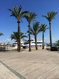 Alcudia #alcudia #mallorca Places Ive Been, Globe, Memories, Holidays, Beach, Travel, Outdoor, Balearic Islands, Lugares