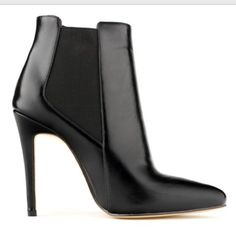"""Pointed toe leather high heel booties I bought these on Amazon but they run a big but so they didn't fit me. They look just like the photos but not real leather. ***Size 35 but fits like a 6.*** Shiny hard pleather-like material. New- never worn!!! Heel is 4.5"""" Shoes Ankle Boots & Booties"""