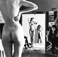 En plena explosión Selfie, recordemos algún autorretrato de maestros de la fotografía: Helmut Newton...