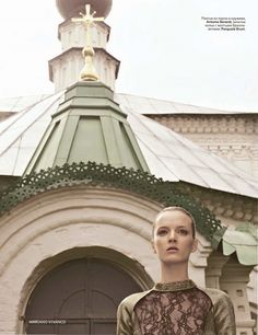 #Vogue_Russia_2011_12 «На золотом крыльце» #Mariano_Vivanco (фото) #Katerina_Mukhina (стиль)