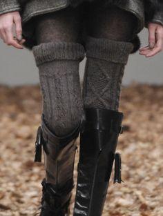 Fall look.the the thigh high socks Mode Boho, Mode Chic, Mode Style, Looks Street Style, Looks Style, Style Me, Thigh High Socks, Thigh Highs, Knee Socks