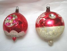 2 Hand Painted Balloon Christmas Ornaments Poland Glass Indent Red White #Poland #Christmas #Handpainted