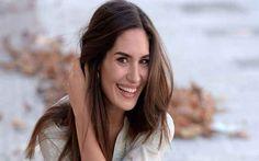 """Il Segreto news: Yara Puebla si racconta a Telepiù """"Ecco qual è la differenza tra Pepa e Camila."""" Yara Puebla, l'attrice che nella tv soap Il Segreto dà il volto e la voce a Camila, in un'intervista apparsa sul numero odierno di Telepiù ha rivelato alcuni retroscena inediti sul suo personaggio """"I #ilsegreto #tvsoap #tv"""