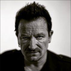 Flood, producteur de U2, défend la sortie controversée de 'Songs Of Innocence' album http://www.u2france.com/actu/flood-producteur-de-u2-defend-la,58314.html?utm_term=U2&utm_content