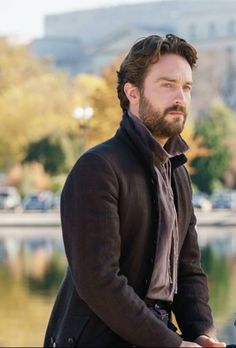 #SleepyHollow Season 4 Ep 1 &2 Missed it ????  Catch up now #FOXNOW /  Hulu The quest begins !!!.......