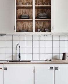 25 beautiful Scandinavian kitchen designs - Decor Around The World Diy Kitchen Cabinets, Kitchen Dining, Kitchen Decor, Kitchen Tiles, Home Interior, Interior Design Kitchen, Interior Shop, Scandinavian Kitchen, Retro Home Decor