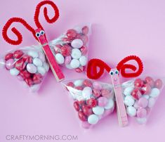 Here is an adorable gift idea for Valentine's Day ~ m&m butterflies! The kids can even help make them for classmates, teachers, etc!It also would look cute with pink jelly beans or any other candy. They are really simple to make and you could do them for any occasion, not just Valentine's Day. Materials Needed: …