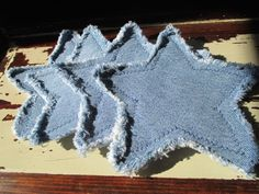Items similar to Recycled Denim Star Coasters - Set of 4 on Etsy Jean Crafts, Denim Crafts, Fabric Crafts, Sewing Crafts, Sewing Projects, Quilted Coasters, Diy Coasters, Denim And Diamonds, Denim Purse