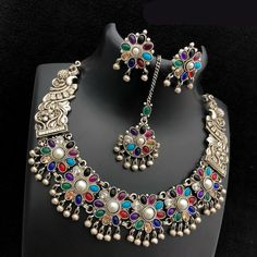 Real Kemp Stone Necklace available in more color option #necklace #indian #indianfashion #southindianbride #traditional #womensfashion #wonen #gir#usagirl #usa #onlineshopping #exclusivedesign #kempstone #goldjewellerytraditional #silverjewelry