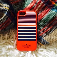 Kate Spade Red, White & Blue Card Slot 5s Case! Kate Spade Red, White & Blue Card Slot iPhone 5s Case! Perfect condition, I bought and never used 😭. 💜 kate spade Accessories Phone Cases