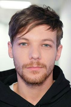 Find images and videos about eyes, louis tomlinson and louis on We Heart It - the app to get lost in what you love. Louis Tomlinson Eyes, Troy Austin, One Direction Louis, Louis Tomlinsom, Louis Williams, 1d And 5sos, Larry Stylinson, Liam Payne, Celebrity Crush