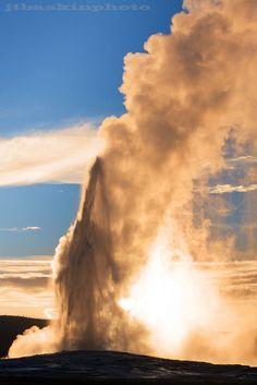 The Old Faithful geyser - Yellowstone National Park  (©JTBaskinphoto)
