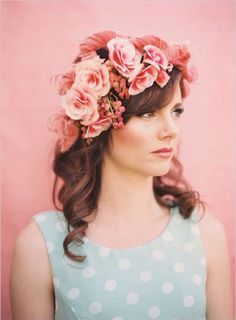 10 French beauty secrets that require no diet - Brazilian Beauty Secrets - Beauty Pretty Hairstyles, Wedding Hairstyles, Fairy Hairstyles, French Beauty Secrets, Corona Floral, Braut Make-up, Floral Headpiece, Floral Hair, Poses