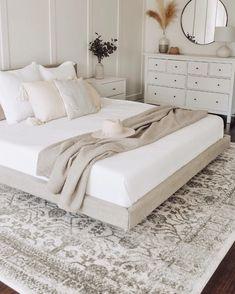 Room Ideas Bedroom, Home Decor Bedroom, Neutral Bedroom Decor, Airy Bedroom, Cozy White Bedroom, Cream And White Bedroom, Modern Master Bedroom, Taupe Bedroom, Peaceful Bedroom