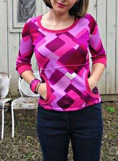 Paulie Pocket Top via Lladybird. Free pattern link and embellishment tutorial.
