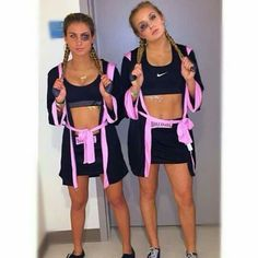 54 Trendy Party Outfit College Halloween Costumes 54 Trendy Party Outfit College Halloween CostumesYou can find Group h. Last Minute Halloween Kostüm, Cute Group Halloween Costumes, Trendy Halloween, Cute Costumes, Halloween Halloween, Family Costumes, Zombie Costumes, Halloween Couples, Halloween Costumes For Teens Girls
