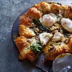 Spinach & Mushroom Breakfast Pizza