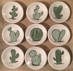Coupelles cactus Coupelles cactus in 2020 Cactus Ceramic, Cactus Art, Ceramic Clay, Ceramic Painting, Ceramic Plates, Ceramic Pottery, Pottery Art, Decorative Plates, Pottery Painting Designs
