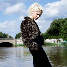 Getting ready for colder days with cozy fake fur jackets now in stock Fake leopard fur jacket 15 Zschochersche str 44 LEIPZIG  #humanasecondhand #humanasecondhandgermany #humanaleipzig #leipzig #vintage #vintageclothing #saturdays #ootd #fakefur