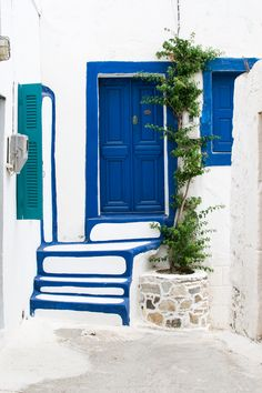 Greek Island Dream: Astypalaia Packing List For Travel, Travel Tips, Greek Cafe, Cafe Door, Blue Lounge, Visit Greece, Travel Wallpaper, Rustic Doors, Paros