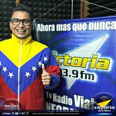 El conferencista de alto impacto @LuisCones, estuvo el pasado domingo en las instalaciones de #Victoria1039FM para participar en el programa @LaTertuliaFM en donde estuvieron conversando sobre el #emprendimiento en #Venezuela. ¡Gracias por la visita!