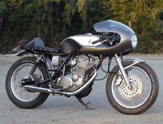 Gull Craft Yamaha SR400 Cafe Racer ~ Return of the Cafe Racers