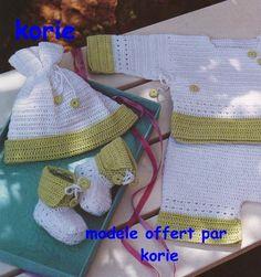 Gilets Capelines Layettes - Modèles pour Bébé au Crochet