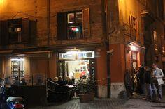 Pizzeria de Baffetto: Only open in the evening. Via del Governo Vecchio 114; 686-1617; pizzas from $12