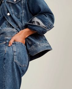 Millennial-Cool Brand Everlane Is Hosting a Pop-Up in Georgetown Ad Photography, Clothing Photography, Denim Editorial, Editorial Fashion, Foto Still, Feeds Instagram, Fashion Model Poses, All Jeans, Double Denim