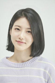 Shin Ye-Eun - AsianWiki - faces X - Hairstyles Girl Short Hair, Short Hair Cuts, Short Bob Hairstyles, Girl Hairstyles, Haircuts, Hair Style Korea, Korean Short Hair, Shot Hair Styles, Looks Style