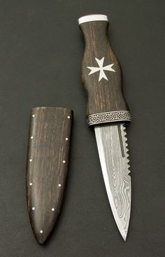 BESPOKE SGIAN DUBH with Damascus Steel Blade & Bog Oak Handle by Rab Gordon…