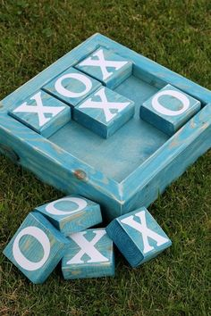 2x4 tic tac toe board at GingerSnapCrafts.com