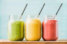 Three jars of fresh fruit smoothies with various colors and tastes. Three jars with cocktail straws with fresh fruit smoothies of various colors and tastes. Fruit Smoothies, Low Carb Smoothies, Easy Smoothies, Detox Smoothies, Breakfast Smoothies, Cucumber Smoothie, Detox Juices, Smoothie Cleanse, Cleanse Diet