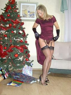 Hmm, the mom has a nice body Stockings Lingerie, Black Stockings, Nylon Stockings, Bas Sexy, Stockings And Suspenders, Sexy Wife, Mom Dress, Sexy Older Women, Black Lingerie