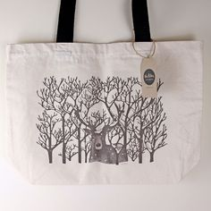 This large Winter Stag tote bag is ideal for a trip to the supermarket, university books or to keep folded up in your handbag for emergencies.