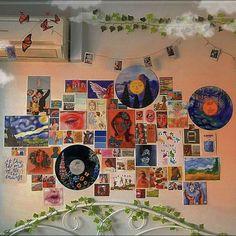 Indie Bedroom, Indie Room Decor, Cute Room Decor, Aesthetic Room Decor, Hipster Bedroom Decor, Grunge Bedroom, Retro Room, Vintage Room, Vintage Music