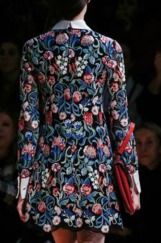 Valentino Fall 2013 Ready-to-Wear Fashion Show Details