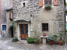 vintage homes in Italy | old-houses-grojnan-Istria-Croatia