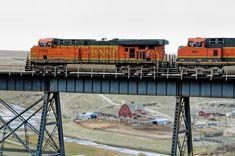 https://flic.kr/p/RXobPG | BNSF 7704 | Westbound Stack train at Cut Bank