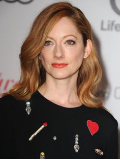 Judy Greer please follow me,thank you i will refollow you later